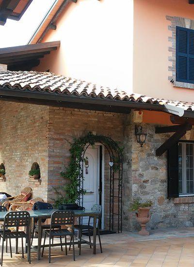 Esterno del Bed & Breakfast Villa Rossana a Lesignano Bagni