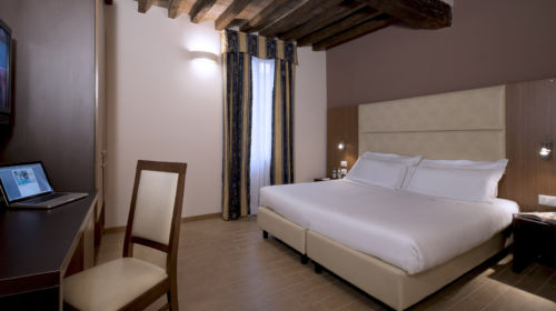 Camera del CDH Hotel Villa Ducale di Parma