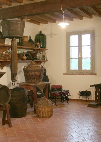 Sala interna del Museo Casa delle Contadinerie