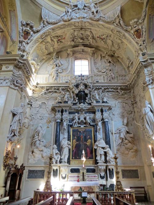 Chiesa di San Vitale monumento Beccaria