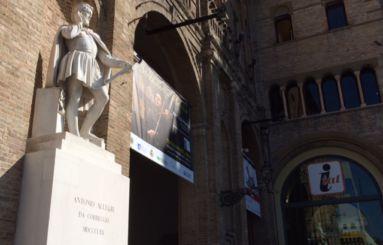 Correggio statua