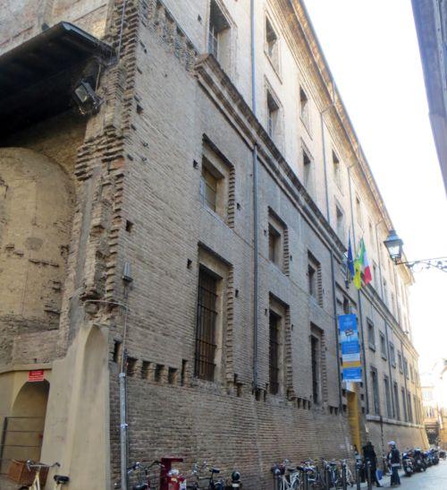 Palazzo dell'Università di Parma facciata