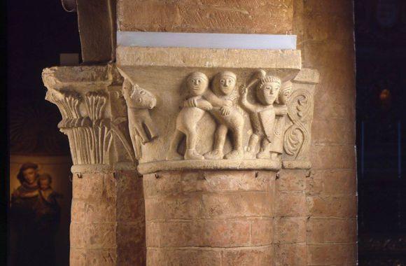 Chiesa di Santa Croce particolare capitello