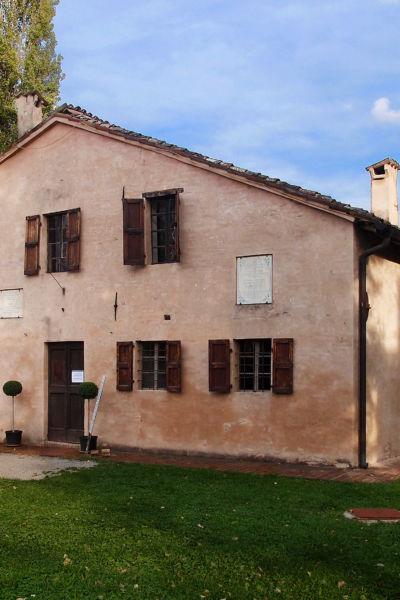 Esterno della Casa natale Giuseppe Verdi a Roncole Verdi