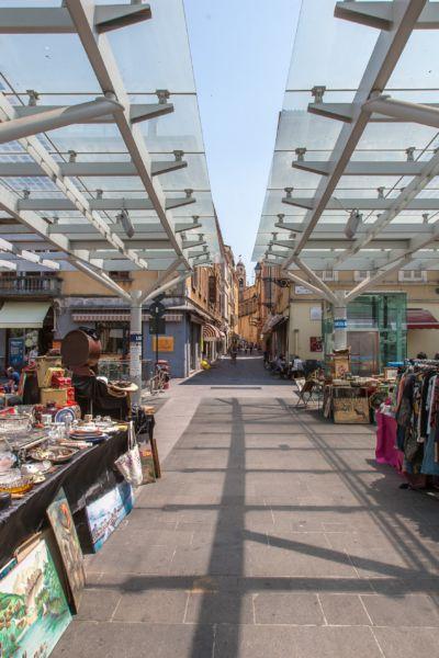 Mercato in Piazza Ghiaia